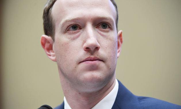 生把巨輪開進了泥潭 扎克伯格掌舵不了Facebook?